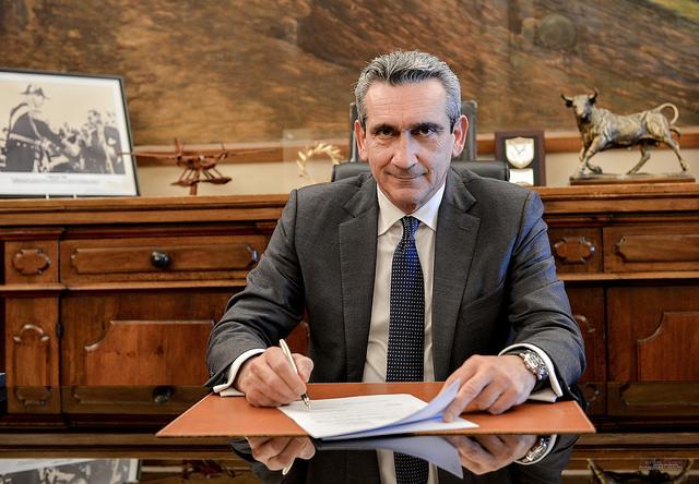 Υπεγράφη η σύμβαση με τον ανάδοχο για το έργο της συντήρησης του οδικού άξονα Άγιος Αντώνιος – Άγιος Παντελεήμοναςστην Τήλο