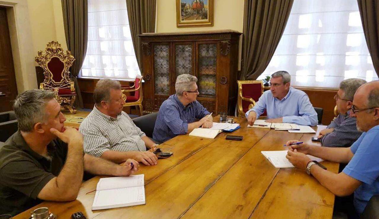 Με γιατρούς ετοιμότητας, διασώστες και ασθενοφόρα, η Περιφέρεια Νοτίου Αιγαίου ενισχύει το ΕΚΑΒσε Κυκλάδες και Δωδεκάνησα