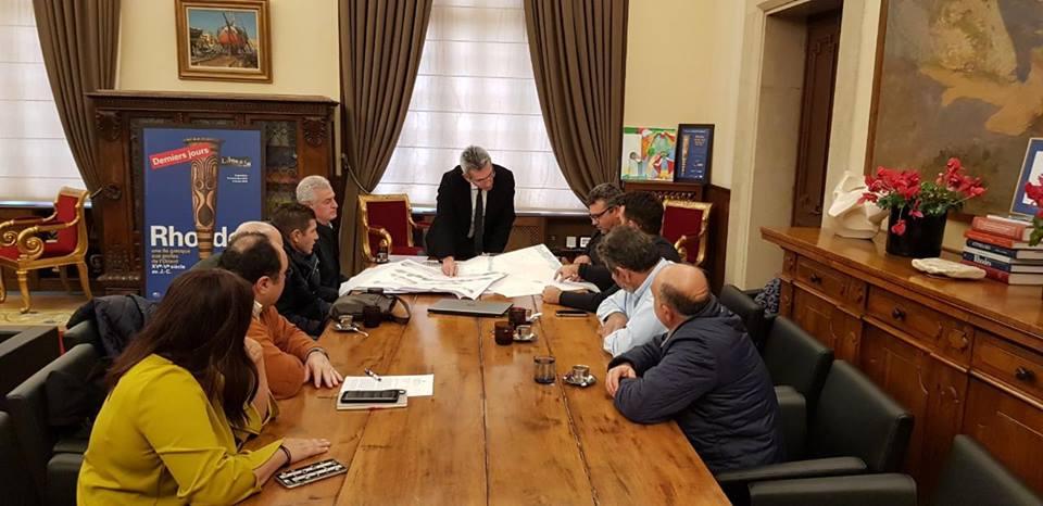 Η Περιφέρεια Νοτίου Αιγαίου θα χρηματοδοτήσει με 520.000 € την βελτίωση και στέγαση του Γηπέδου Αθλοπαιδιών του Κολοσσού
