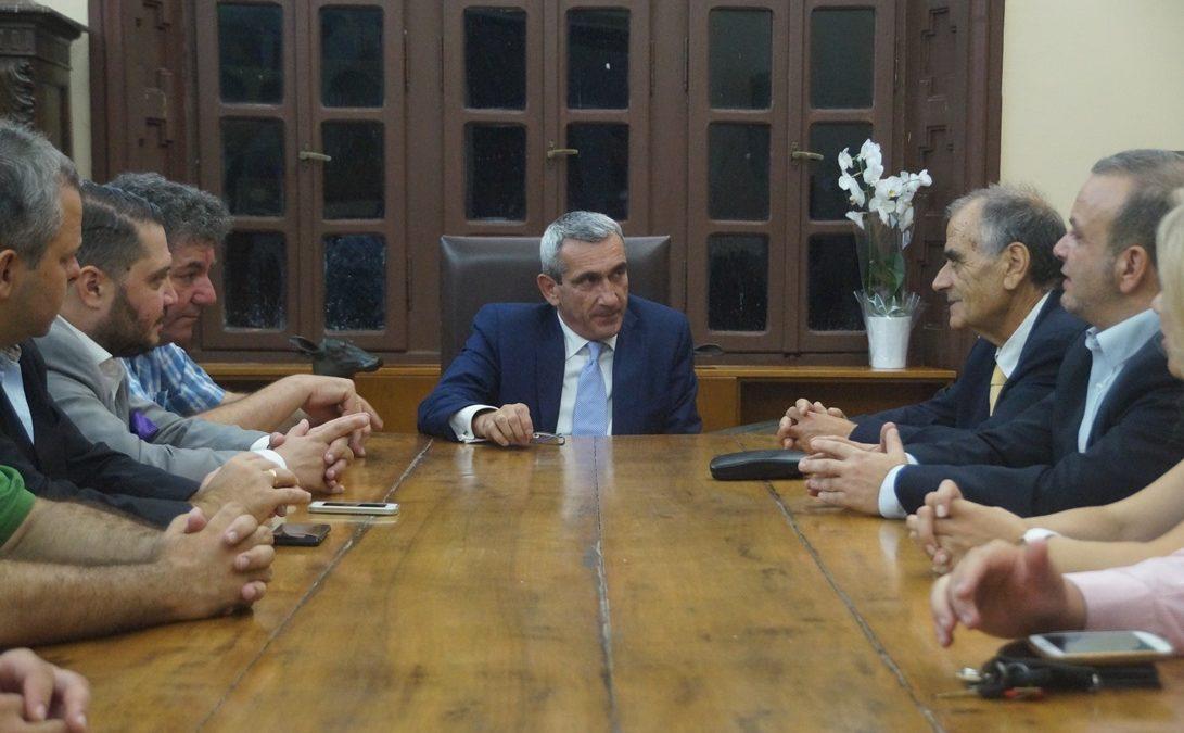 Με τον Δικηγορικό Σύλλογο  Ρόδου και το Δ.Σ. της «ΓΑΛΗΝΟΣ Α.Ε.» συναντήθηκε ο Περιφερειάρχης κ. Γιώργος Χατζημάρκος.