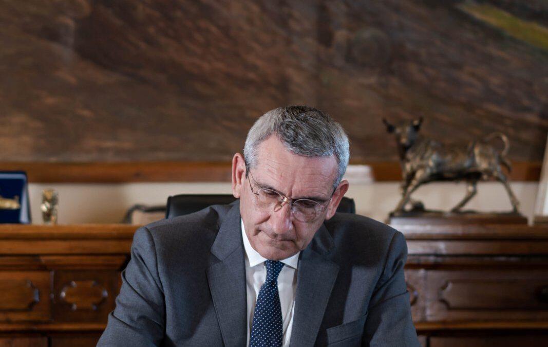 Εξαίρεση της Περιφέρειας Νοτίου Αιγαίου από την μείωση των περιφερειακών συμβούλων, ζητά ο Περιφερειάρχης από τον Υπουργό Εσωτερικών
