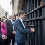 Κατάλυμα της Γαλλίας: Μετά από πολλές δεκαετίες, ξεκλείδωσαν οι βαριές πόρτες της ιστορίας, στην οδό Ιπποτών